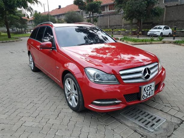 2011-mercedes-benz-c-class-big-9