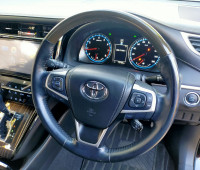2014-toyota-harrier-small-3