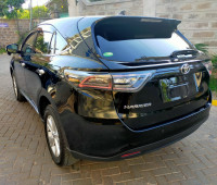 2014-toyota-harrier-small-2
