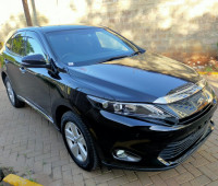2014-toyota-harrier-small-0
