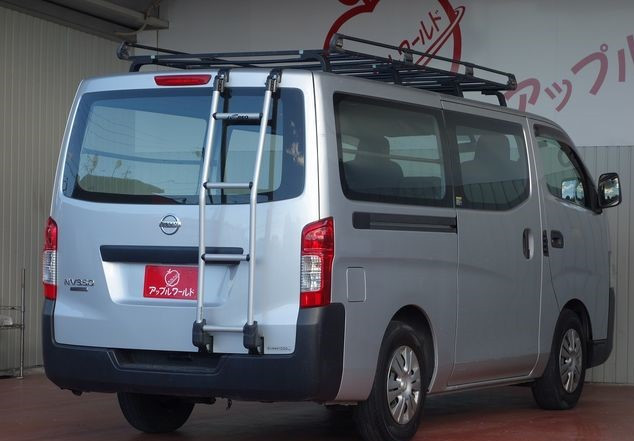 nissan-caravan-2014-big-2