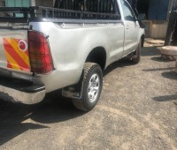 2009-toyota-hilux-small-7