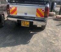 2009-toyota-hilux-small-8