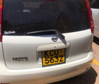 2011-nissan-note-small-3