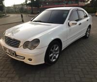 2005-mercedes-benz-c180-small-2