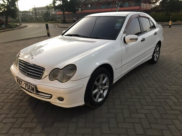 2005-mercedes-benz-c180-big-2
