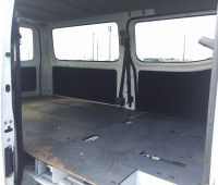 2013-nissan-caravan-small-8