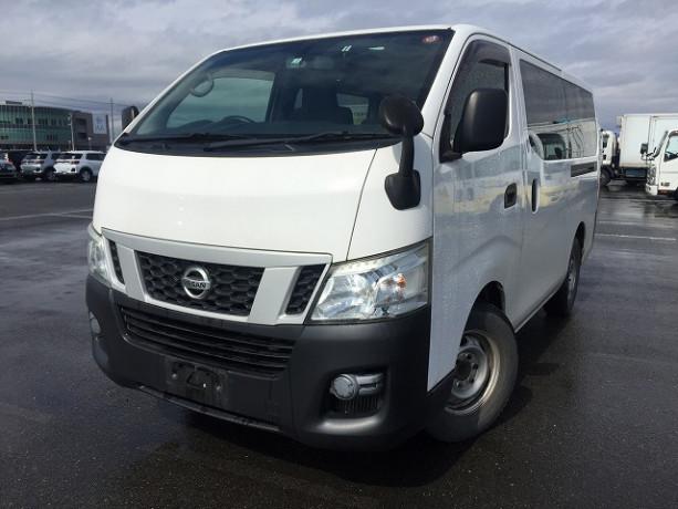 2013-nissan-caravan-big-18
