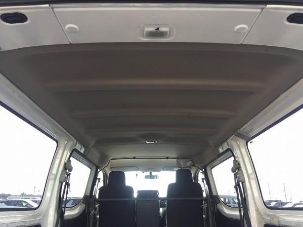 2013-nissan-caravan-big-14