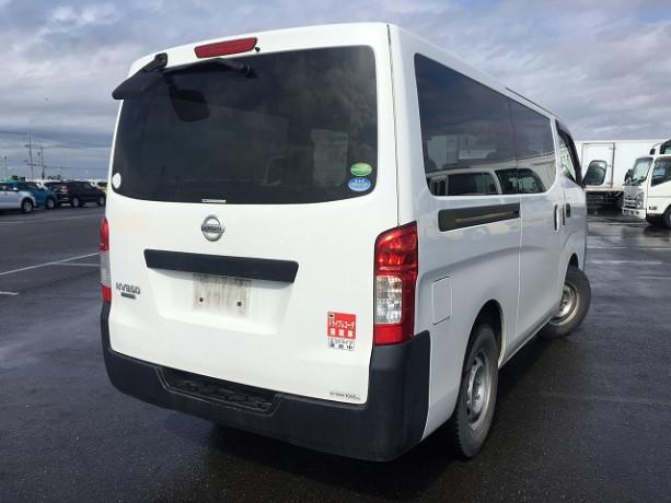 2013-nissan-caravan-big-10