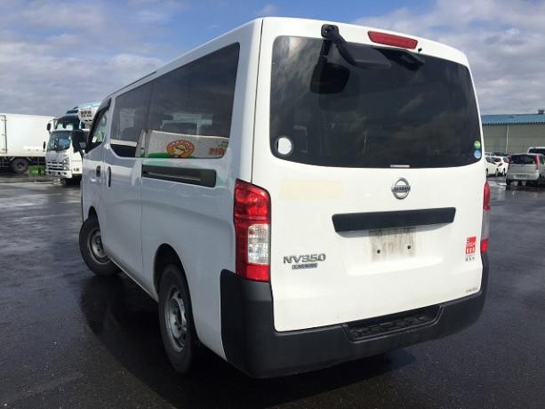 2013-nissan-caravan-big-9
