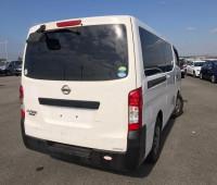 2012-nissan-caravan-small-4