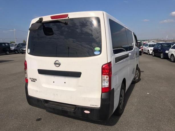 2012-nissan-caravan-big-4