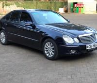 2009-mercedes-benz-e300-small-1