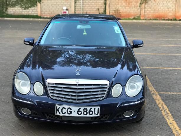 2009-mercedes-benz-e300-big-3