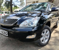 2012-toyota-harrier-small-0