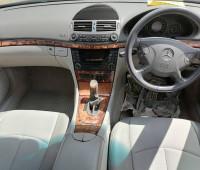 2004-mercedes-benz-e200-small-6