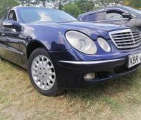 2004-mercedes-benz-e200-small-0