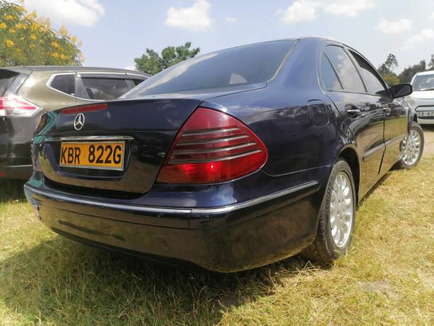 2004-mercedes-benz-e200-big-2