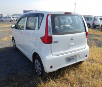 mitsubishi-ek-wagon-small-2