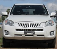 excellent-condition-toyota-rav4-pearl-white-color-2014-model-small-0