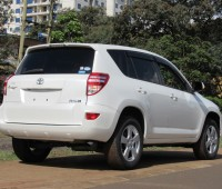 excellent-condition-toyota-rav4-pearl-white-color-2014-model-small-2