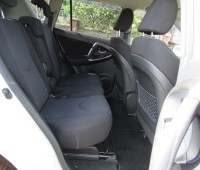 excellent-condition-toyota-rav4-pearl-white-color-2014-model-small-6