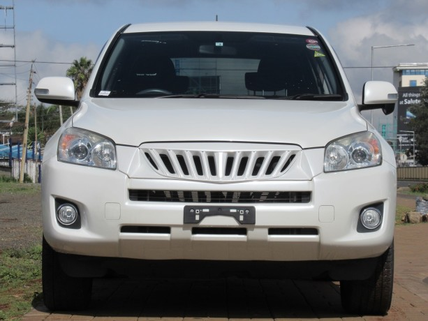 excellent-condition-toyota-rav4-pearl-white-color-2014-model-big-0