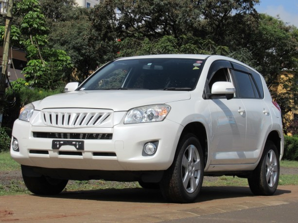 excellent-condition-toyota-rav4-pearl-white-color-2014-model-big-1