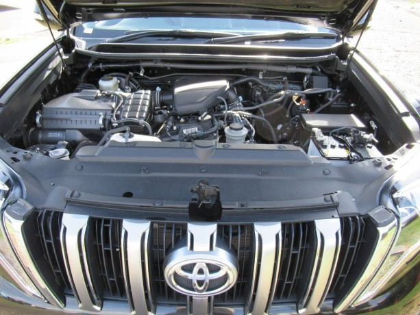 fully-equipped-toyota-landcruiser-prado-2017-model-excellent-condition-big-9