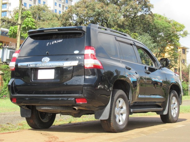 fully-equipped-toyota-landcruiser-prado-2017-model-excellent-condition-big-2