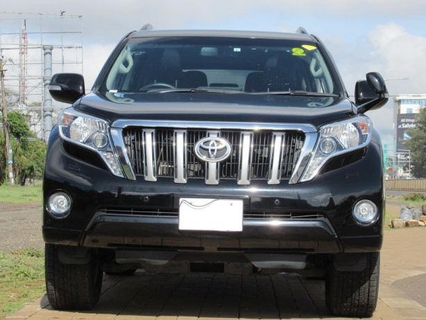 fully-equipped-toyota-landcruiser-prado-2017-model-excellent-condition-big-0