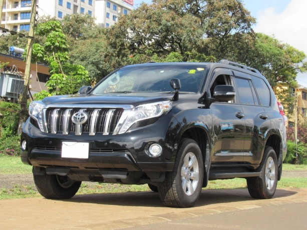 fully-equipped-toyota-landcruiser-prado-2017-model-excellent-condition-big-1