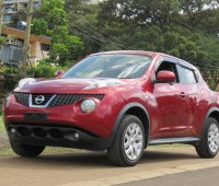 nissan-juke-2014-model-red-color-small-1