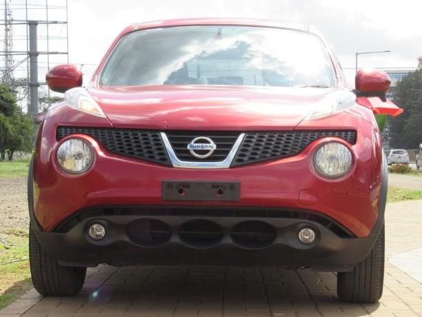 nissan-juke-2014-model-red-color-big-0