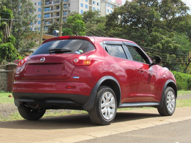 nissan-juke-2014-model-red-color-big-2