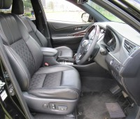 panoramic-glass-roof-toyota-harrier-2014-model-black-color-small-5