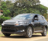 panoramic-glass-roof-toyota-harrier-2014-model-black-color-small-1