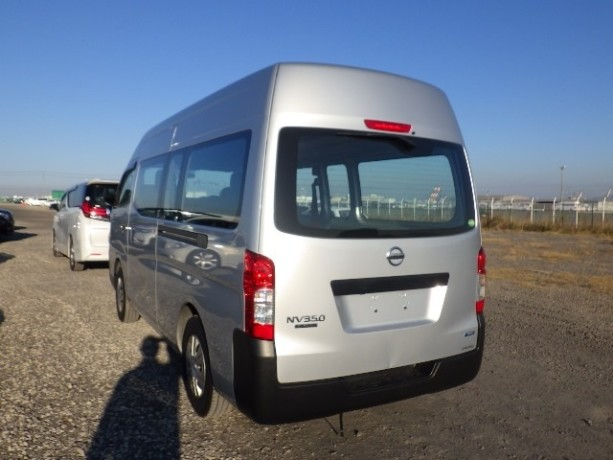 nissan-caravan-big-2
