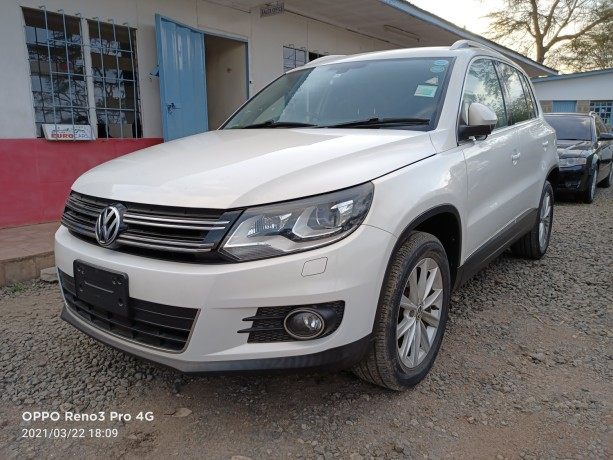 2013-volkswagen-tiguan-unused-locally-big-1