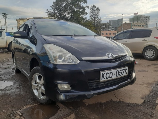clean-2008toyota-wish-for-sale-big-4
