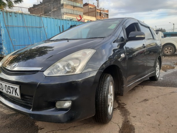 clean-2008toyota-wish-for-sale-big-5