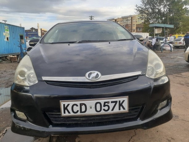clean-2008toyota-wish-for-sale-big-3