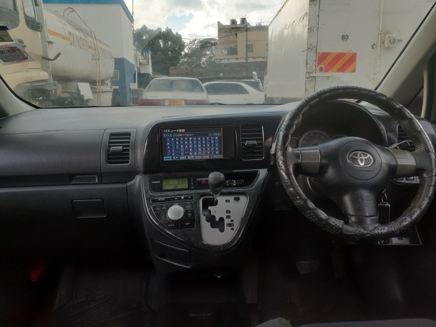 clean-2008toyota-wish-for-sale-big-7