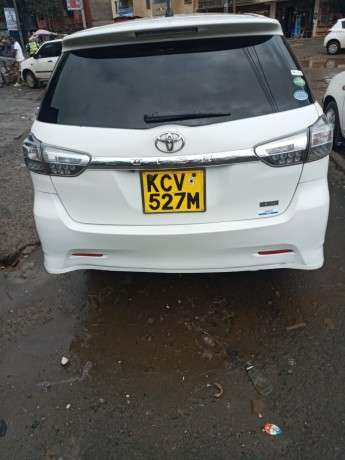 clean-2012-toyota-wish-for-sale-big-3