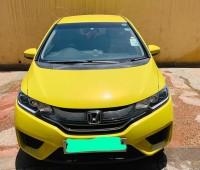 honda-fit-hybrid-new-shape-small-3