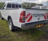 clean-toyota-hilux-for-sale-small-6