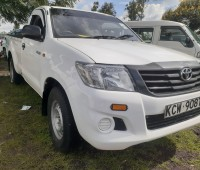 clean-toyota-hilux-for-sale-small-1