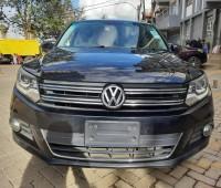 volkswagen-tiguan-2013-small-0