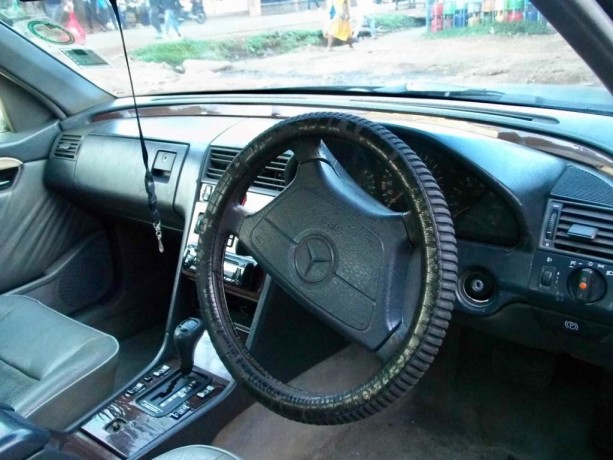 mercedes-benz-1994-model-for-sale-big-1